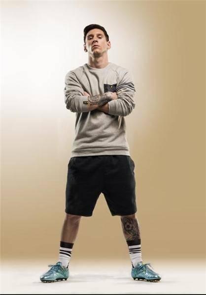 کفشهای جدید مسی/عکس
