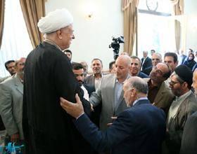 هاشمی رفسنجانی: در دوران تحریم برخی دلشان خوش بود که مقاومت می کنیم؛ فقیر شدن کشور که مقاومت نیست