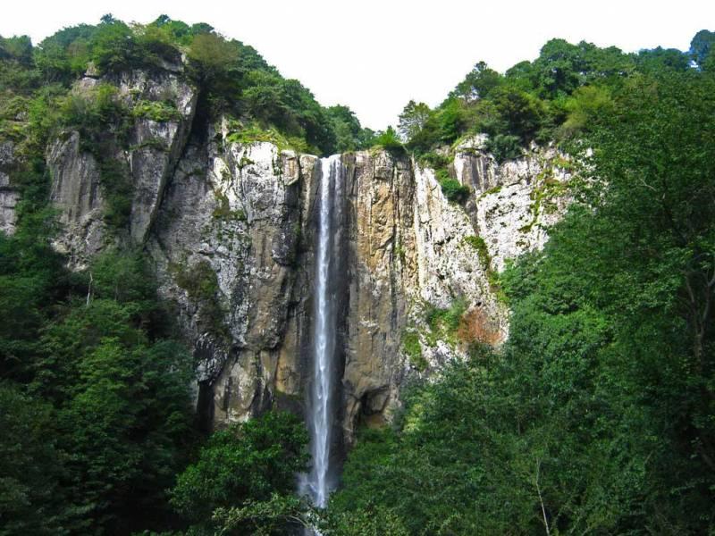 تصویر: مرتفع ترین آبشار گیلان و ایران