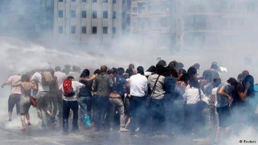 شبکه حقوق بشر اروپایی مدیترانه، فدراسیون بینالمللی جامعههای حقوق بشر، جامعه حقوق بشر و بنیاد حقوق بشر ترکیه و مجمع شهروندان هلسینکی از دولت ترکیه خواستند خشونت علیه مخالفان را فورا متوقف کند