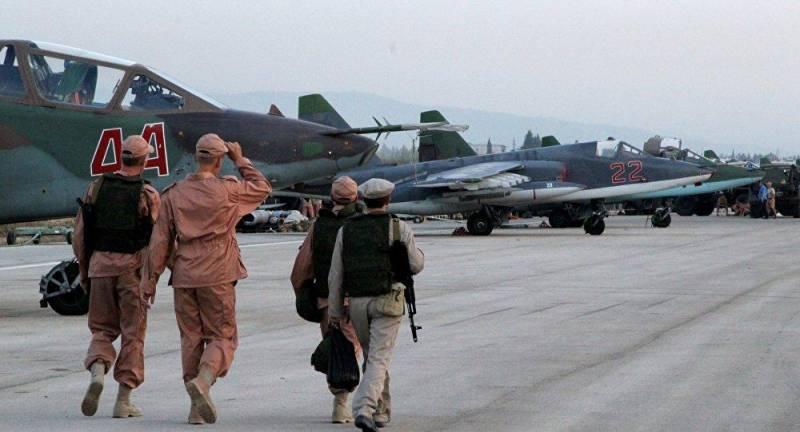 تفنگداران و نیروی هوایی روسیه در سوریه/ روسیه با چه تسلیحاتی به جنگ داعش رفته است؟+ تصاویر