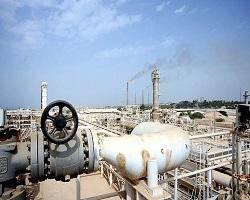 وجود یک میدان عظیم نفتی در شهر اهواز