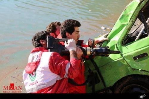 تصاویر سقوط پژو در سد کرج+عکس