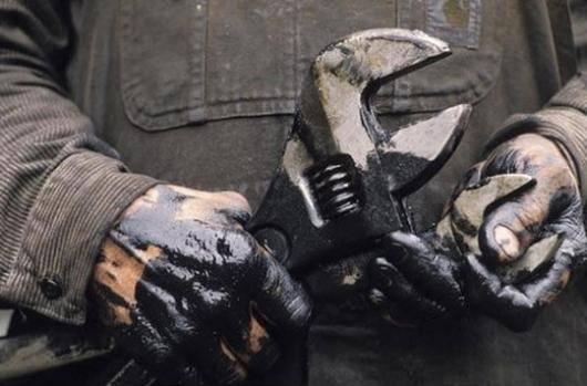 در ادامه اعتراض صنفی اخیر کارگران پیمانکاری فازهای ۲۳ و ۲۴ منطقه ویژه عسلویه روز گذشته شماری از کارگران توسط عوامل انتظامی بازداشت شدهاند