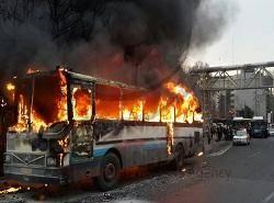 آتش گرفتن اتوبوس در خيابان وليعصر(عج) + عکس