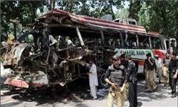انفجار اتوبوس در پیشاور ۶۵ قربانی گرفت