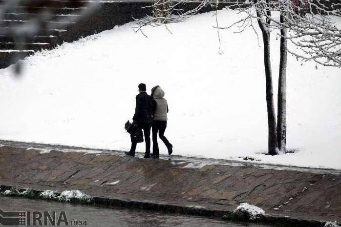 عکس/ بارش برف در ارومیه و تبریز