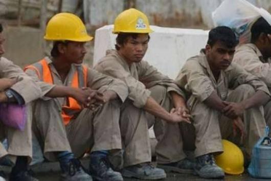 عفو بینالملل از رهبران و نهادهای فوتبال در جهان و شرکتهای تجاری حامی بازیها خواسته است از نفوذ خود را برای خاتمه دادن به نقض آشکار حقوق کارگران سازنده تاسیسات جام جهانی در قطر استفاده کنند