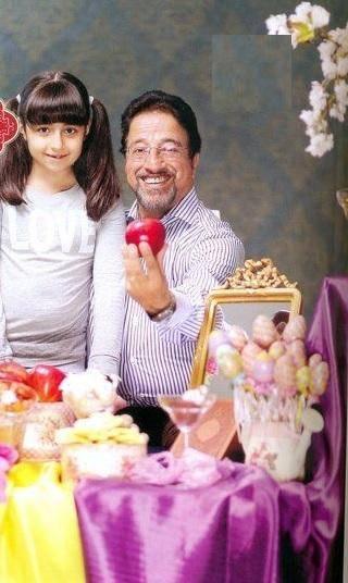 علیرضا خمسه و دخترش کنار سفره هفت سین +عکس