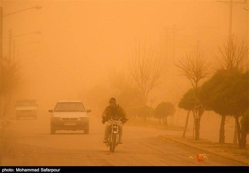 منشأ ۵۰ تا ۶۰ درصد ریزگردها، کشور عراق است