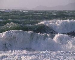 آسمانی ابری و بارش در سواحل دریای خزر