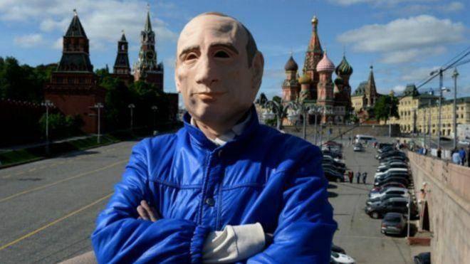 منتقد 'ماسک دار' پوتین به اوکراین پناهنده شد