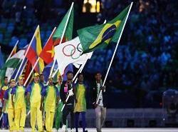 پرچم المپیک تحویل ژاپنیها و مشعل خاموش شد