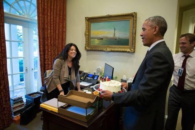 عکس/ کیک اوباما برای تولد دستیار ایرانی اش