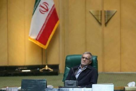 هر ارگانی برای خودش بانک تاسیس کرده است٬ به راحتی در سیستم بانکی ایران پولشویی انجام میشود