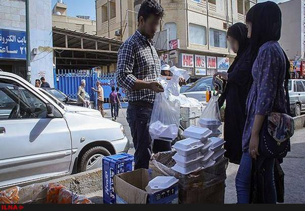 ضایعات گوشت و مرغ در خورشت های کنار خیابان/ کوبیده 5 هزار تومانی با استفاده از سنگدان مرغ