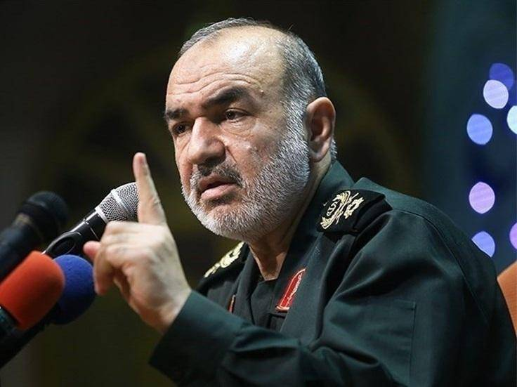 سردار سلامی: تعرض به آبهای سرزمینی خلیج فارس با قدرت سپاه روبهرو میشود