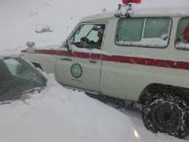 نجات 147سرنشین خودروی گرفتار در کولاک منطقه تاراز