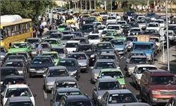 ازدحام خودروها پشت در پارکینگهای ورزشگاه آزادی