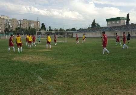 اعتراض تیم فوتبال امید ایران به زمین چمن نامطلوب بیشکک