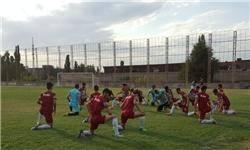 تیم امید همچنان در زمین بیکیفیت تمرین میکند/ بیتوجهی قرقیزستان به اعتراض کاروان ایران+ تصاویر