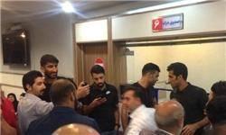 اعتراض سوپرمارکتیها و رستوراندارها مقابل وزارت نفت؛ منصوریان عامل این بدهیها است