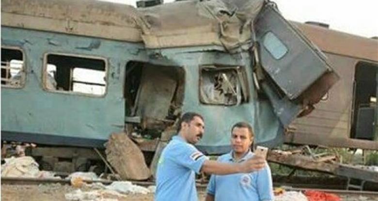 عکس سلفی امدادگران مصری جنجال برانگیز شد