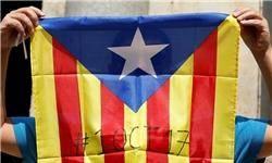 روز خونین کاتالونیا همزمان با برگزاری همهپرسی/ پلیس در حال مصادره صندوقهاست/نیروهای ضدشورش با مردم درگیر شدند/دستکم ۳۸ نفر زخمی شدهاند