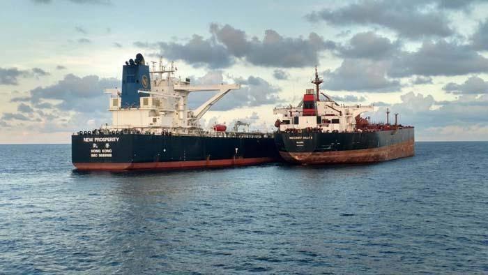 ورود نخستین محموله نفتی آمریکا به هند