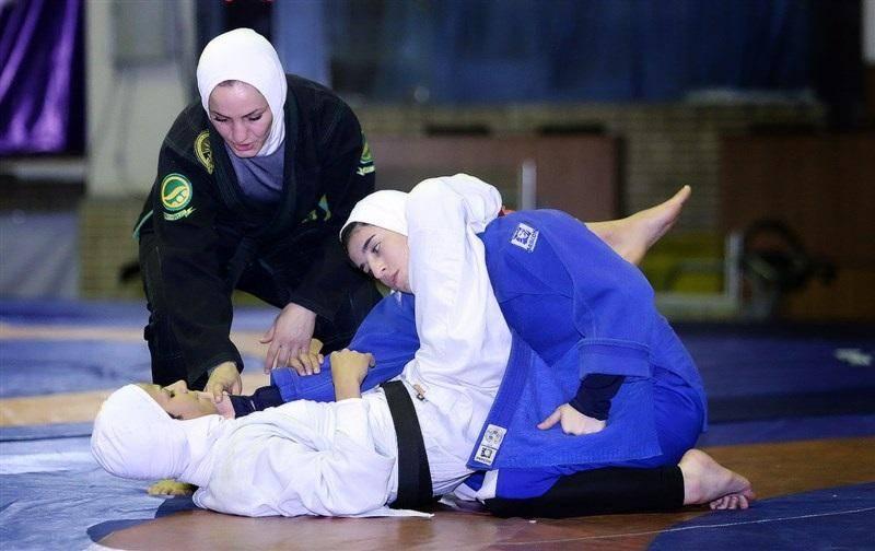 حضور دو داور زن ایرانی در پیکارهای جهانی گراپلینگ