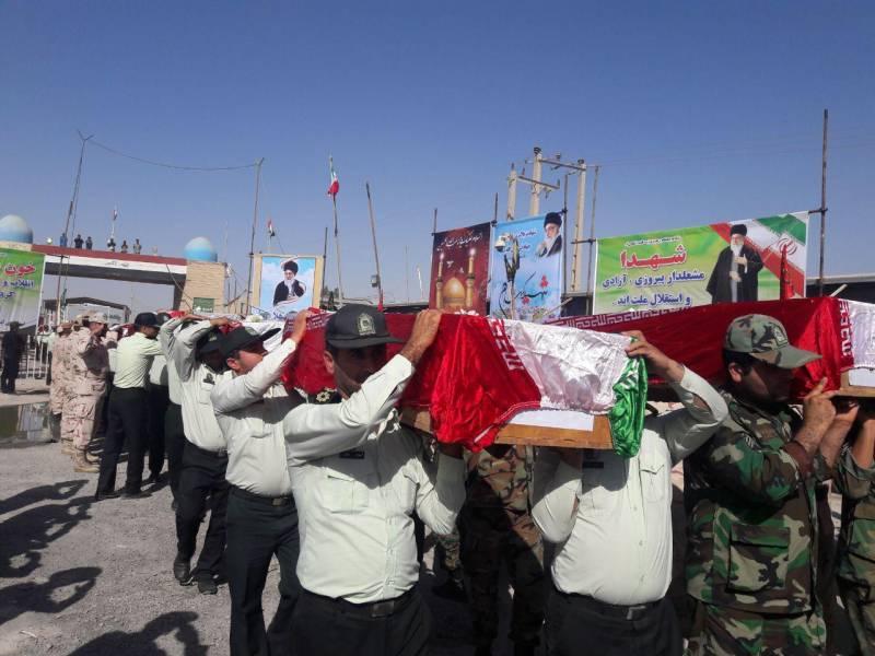 پیکرهای مطهر 119 شهید دفاع مقدس از مرز شلمچه وارد کشور شدند