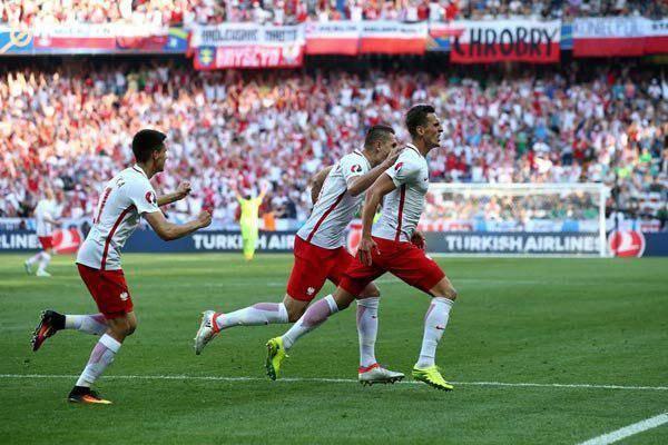 لهستان در آستانه صعود/پیروزی بی فایده چک