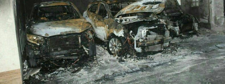 3 خودرو در آتش سوزی یک ساختمان مسکونی در تهران سوختند