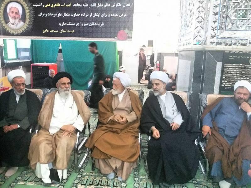 امام جمعه موقت کرمان :مرحوم آیت الله طاهری با مردم و از جنس مردم بود