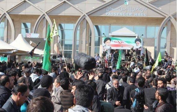 مهران مرز مجاز برای تردد زائران اربعین حسینی 13 استان کشور است