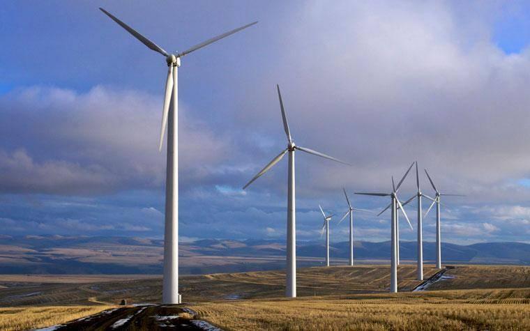 طراحی و ساخت شبیه ساز سیستم مبدل انرژی در نیروگاه بادی