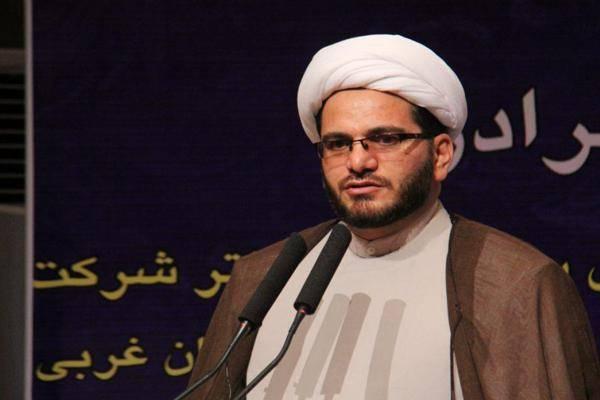امام جمعه تکاب: تفرقه افکنی در جامعه اسلامی مهمترین راهبرد دشمنان علیه اسلام است