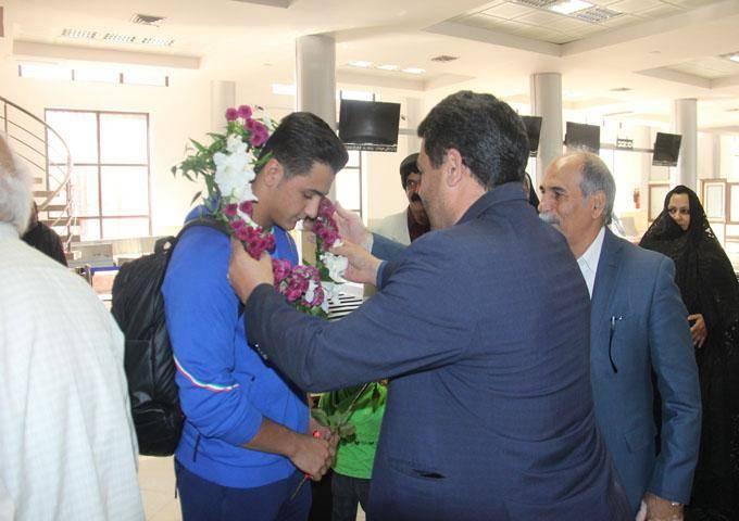 استقبال از قهرمان مسابقات هنرهای رزمی جهان در یزد
