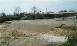 وقوع سیل، آبگرفتگی و طوفان در 6  استان کشور/ توزیع 5 هزار بخاری برقی میان زلزلهزدگان کرمانشاه
