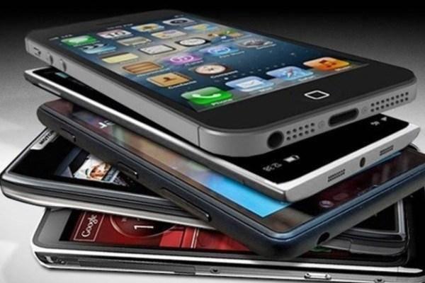 حقوق و عوارض گمرکی واردات گوشی تلفن همراه مسافری 16 درصد است