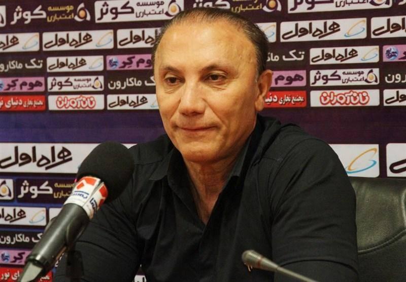 سرمربی نفت تهران: نبود چند بازیکن محروم و مصدوم کارمان را سخت کرد