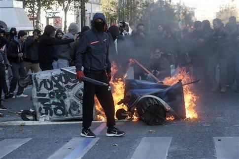 درگیری تظاهرکنندگان و پلیس در مرکز شهر آتن