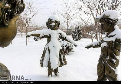 بارش برف استان آذربایجان شرقی را فرا گرفت