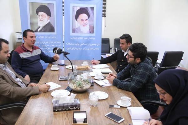 بررسی مطالبات صنفی دانشجویان دانشگاه امام خمینی (ره) قزوین در میزگرد ایرنا