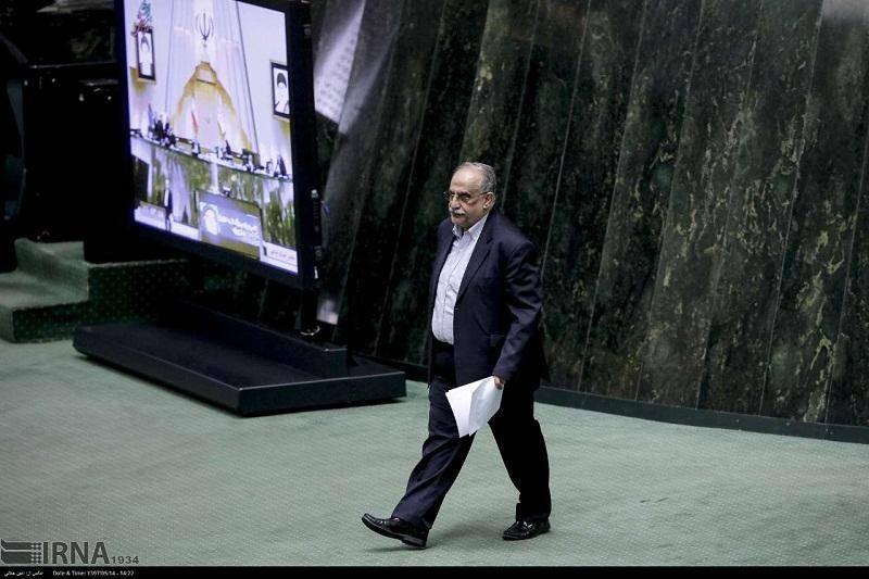 تقاضای استیضاح وزیر اقتصاد اعلام وصول شد