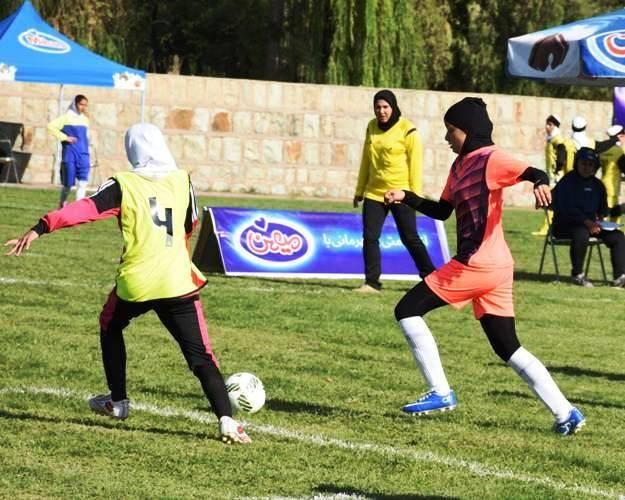 قضاوت داوران البرزی در فستیوال ملی فوتبال پایه