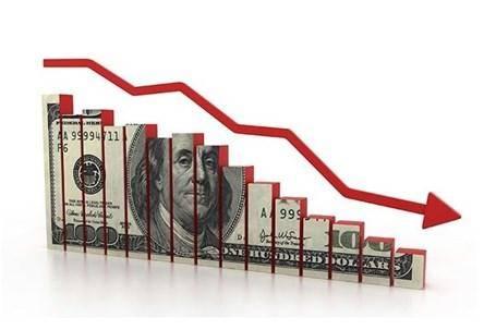 ایست دلار در ماه هفتم