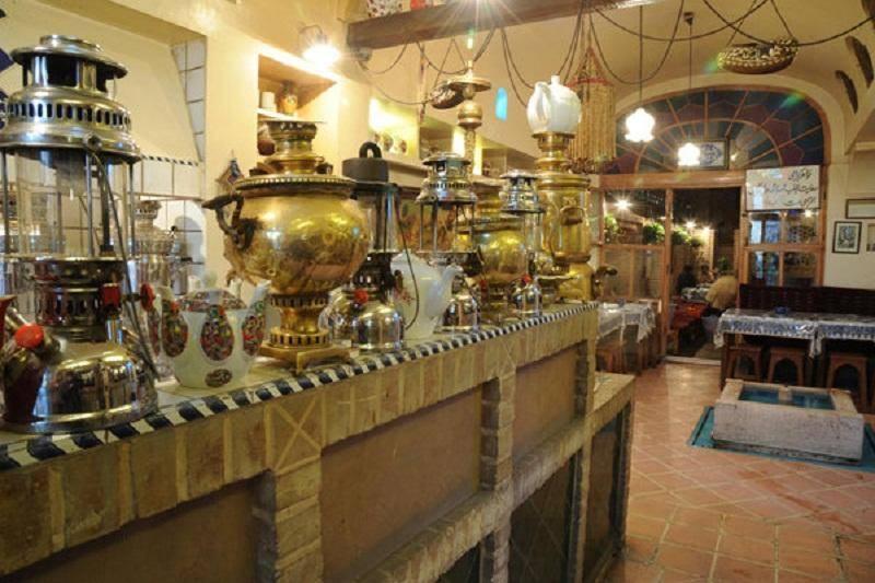 مجوز چایخانه ها در اصفهان به شرط عرضه نکردن قلیان صادر می شود