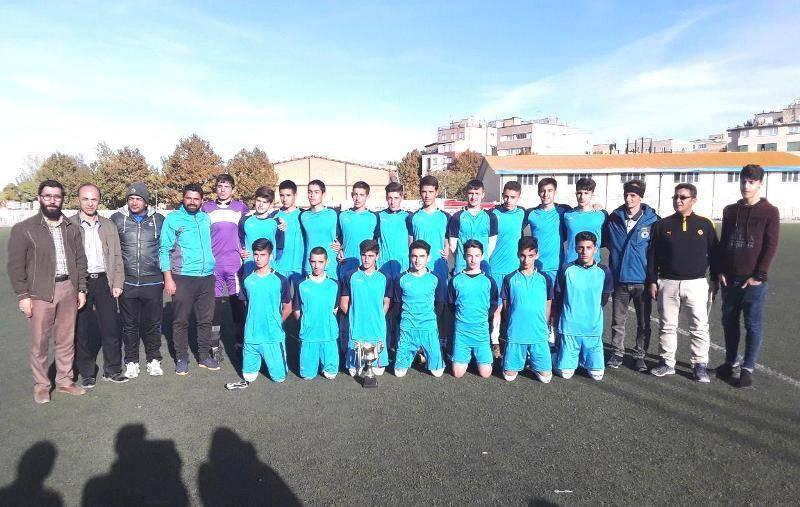شهرداری همدان به لیگ فوتبال نوجوانان کشور صعود کرد