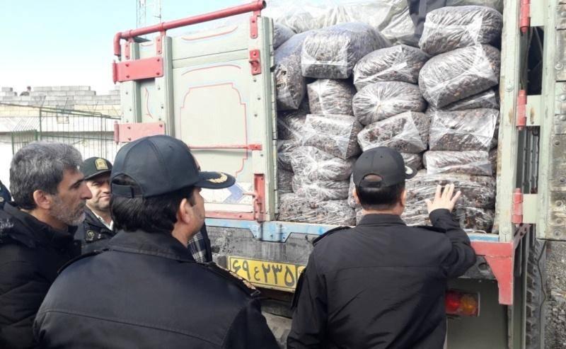 53 تُن خرمای غیر بهداشتی در کردستان کشف شد